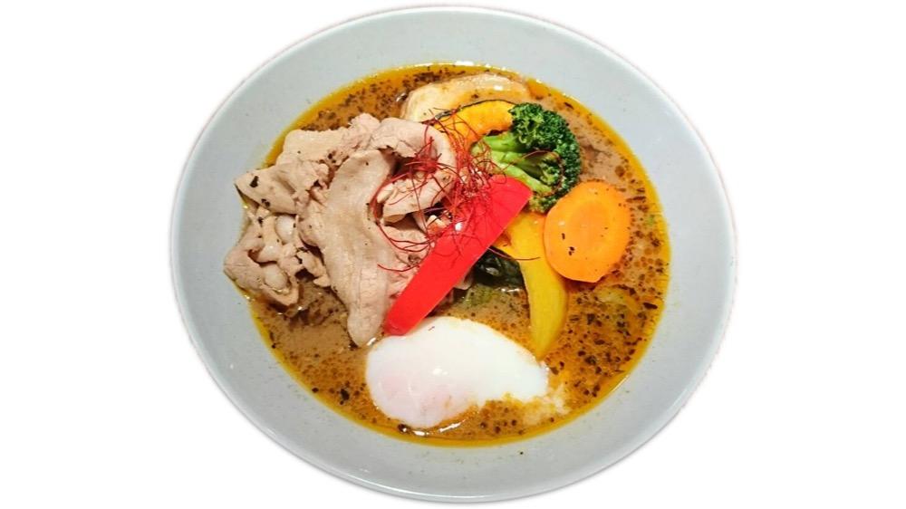 111. 薬膳無添加スープカレーCOSMOS<br>野菜と豚しゃぶ温玉のスープカレー